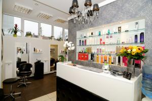 Beauty salon Shine